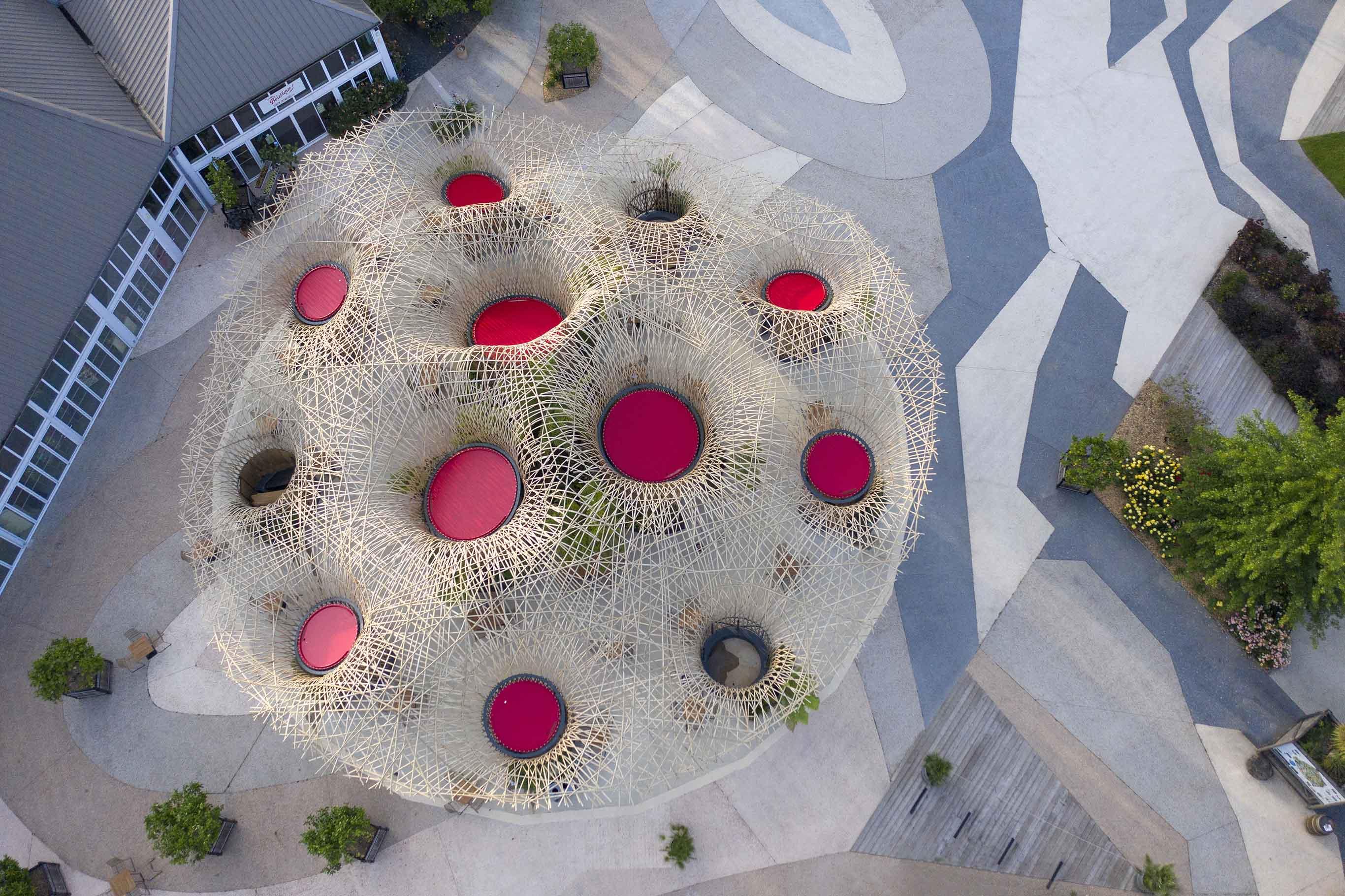 Bambusinstallation aus Bambusgeflecht Deambulons - l'Oasis - Kalice Studio - Arnaud Childeric2